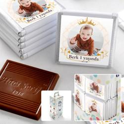 Hacı Şerif - 1 Yaş Fotoğraflı Erkek Bebek Çikolatası (70 Adet Madlen)
