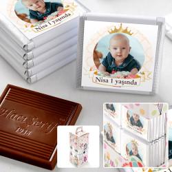 1 Yaş Fotoğraflı Kız Bebek Çikolatası (70 Adet Madlen) - Thumbnail