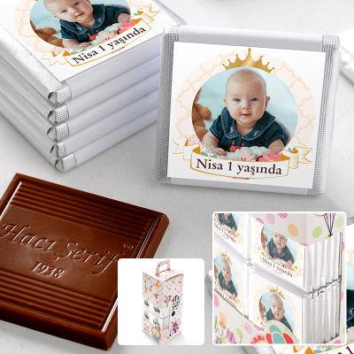 1 Yaş Fotoğraflı Kız Bebek Çikolatası (70 Adet Madlen)