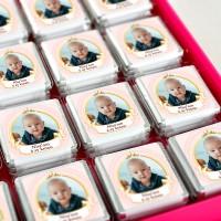 - 6 Ay Kınası Fotoğraflı Kız Bebek Çikolatası (32 Adet Madlen+Sunum Kutusu)