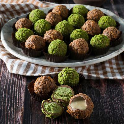 Tahinli - Antep Fıstıklı Truffle Çikolata Bordo Kutu 22 Adet