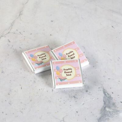 Etiket Baskılı Biblolu Kız Bebek Çikolatası (Metal Yuvarlak Kutu) 70 Adet Madlen+Kolonya Hediyeli