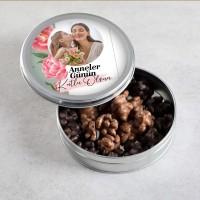 Hacı Şerif - Fotoğraflı Anneler Günü Hediyesi Sütlü-Bitter Antep Fıstıklı Roş Çikolata (Metal Kutu)