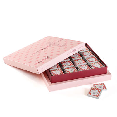 Hoşgeldin Bebeğim Çikolatası 32 Adet Madlen + Sunum Kutusu (Kız)