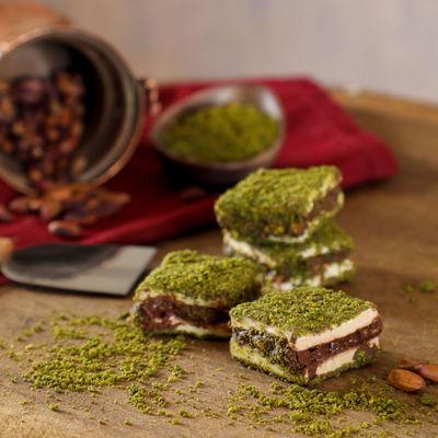 İçi Dışı Antep Fıstıklı Çikolatalı Bohça Lokum 500g