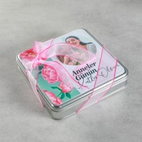 Kendi Fotoğrafınız ile Anneler Günü Hediyesi (8 Farklı Lezzet) Metal Kutu Model:1 - Thumbnail