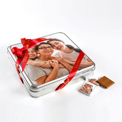 Kendi Fotoğrafınızla Anneye Hediye (32 Adet Madlen Çikolata) Metal Kutu