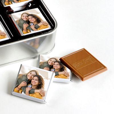 Kendi Fotoğrafınızla Arkadaşa Hediye (32 Adet Madlen Çikolata) Metal Kutu