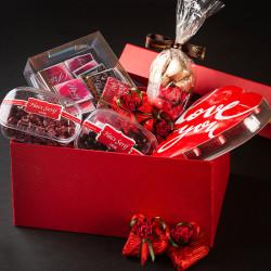 - Sevgiliye Hediye Kırmızı Kutu